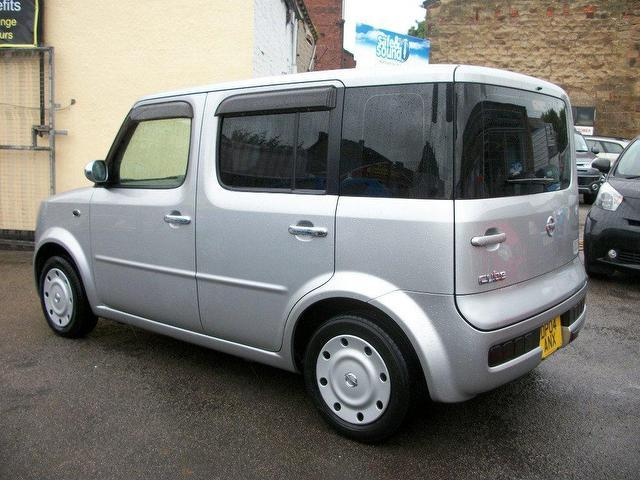 used nissan cube 2004 petrol 1 6 automatic stylish hatchback silver for sale in wakefield uk. Black Bedroom Furniture Sets. Home Design Ideas