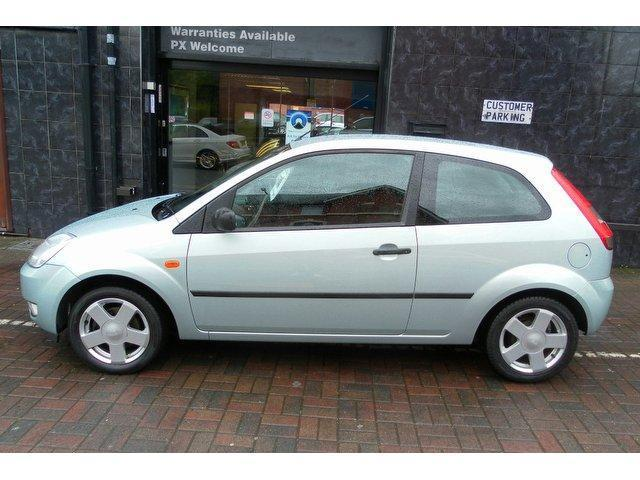 used ford fiesta 2004 petrol 1 4 zetec 3dr hatchback green manual for sale in stockport uk. Black Bedroom Furniture Sets. Home Design Ideas