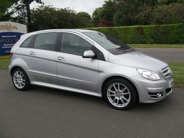 Used 2009 mercedes benz hatchback class b180 cdi sport for Mercedes benz 2009 for sale