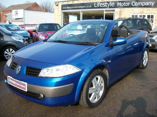 used renault megane 2005 diesel 1 9 dci 130 dynamique convertible blue manual for sale in. Black Bedroom Furniture Sets. Home Design Ideas