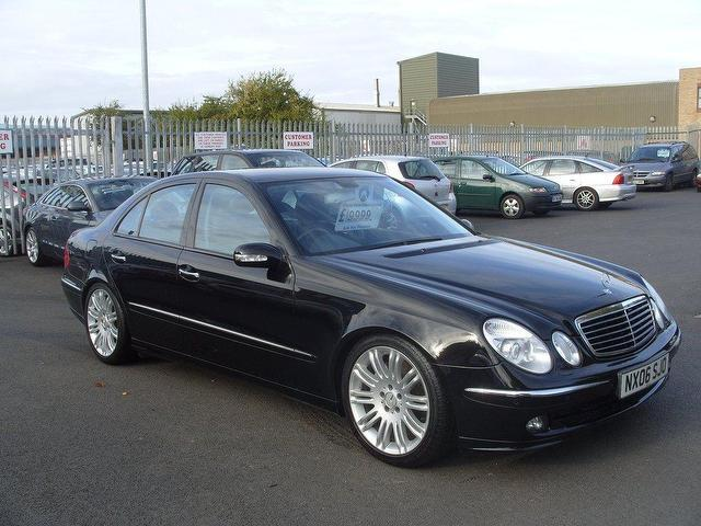 Used mercedes benz 2006 model class e500 sport 7 petrol for Mercedes benz e500 for sale