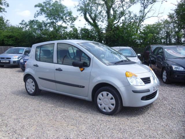 used renault modus 2005 petrol 1 4 oasis 5dr with hatchback silver edition for sale in nuneaton. Black Bedroom Furniture Sets. Home Design Ideas