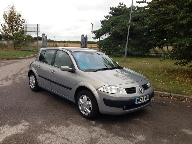 used beige renault megane 2005 petrol 1 6 vvt expression 5dr hatchback excellent condition for. Black Bedroom Furniture Sets. Home Design Ideas