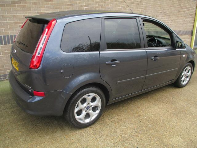 used grey ford c max 2009 petrol 1 6 zetec 5dr estate. Black Bedroom Furniture Sets. Home Design Ideas