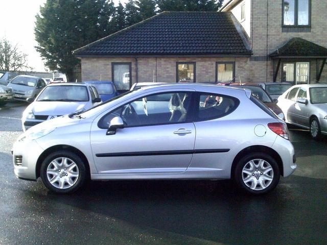 used peugeot 207 2010 silver paint diesel 1 4 hdi s 3dr hatchback for sale in fengate uk autopazar. Black Bedroom Furniture Sets. Home Design Ideas