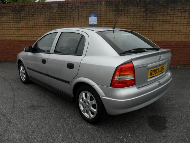 used silver vauxhall astra 2003 petrol active 5dr hatchback excellent condition for sale. Black Bedroom Furniture Sets. Home Design Ideas