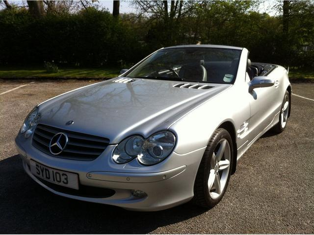 Used mercedes benz 2005 model class sl 350 2dr petrol for Mercedes benz convertible used