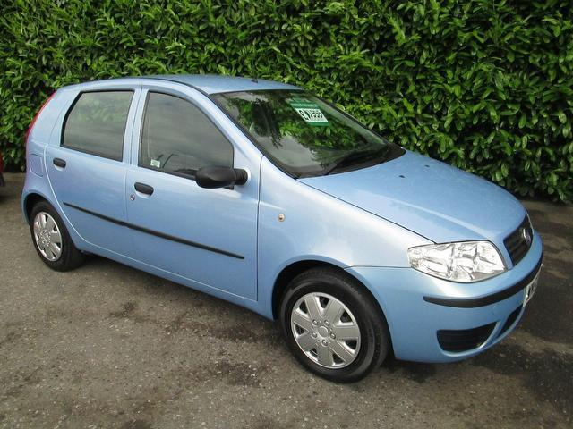 used fiat punto 2003 model 1 2 active 5dr ideal petrol hatchback blue for sale in southampton uk. Black Bedroom Furniture Sets. Home Design Ideas