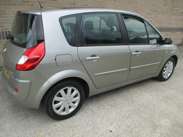 Used Renault Scenic 2.0 Dci Dynamique 5 Door Estate Grey 2007 Diesel for Sale in UK