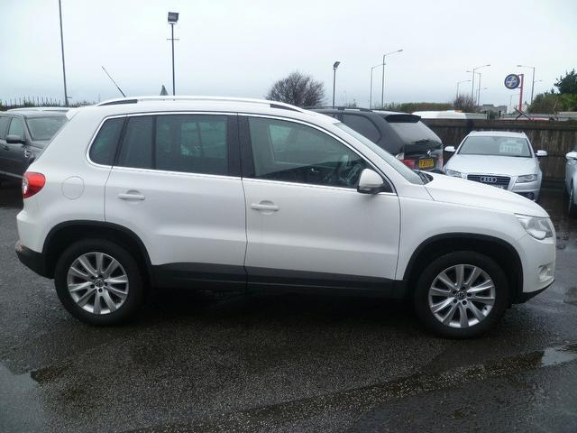 used 2009 volkswagen tiguan 4x4 white edition 2 0 tdi se. Black Bedroom Furniture Sets. Home Design Ideas