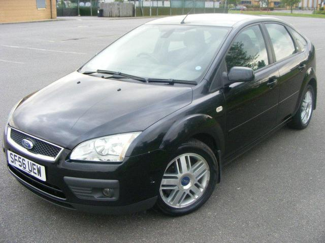 used ford focus 2006 petrol 1 6 ghia 5dr auto hatchback black automatic for sale in wembley uk. Black Bedroom Furniture Sets. Home Design Ideas