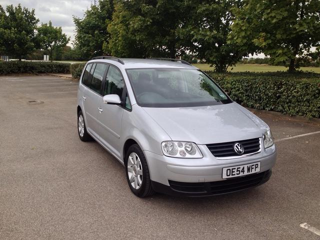 used volkswagen touran 2005 petrol 1 6 fsi se 5dr estate silver edition for sale in ashford uk. Black Bedroom Furniture Sets. Home Design Ideas