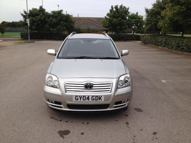 Used Toyota Avensis 2.0 Vvt-i T4 5 Door Estate Silver 2004 Petrol for Sale in UK