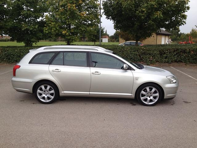 used toyota avensis 2004 petrol 2 0 vvt i t4 5dr estate silver edition for sale in ashford uk. Black Bedroom Furniture Sets. Home Design Ideas