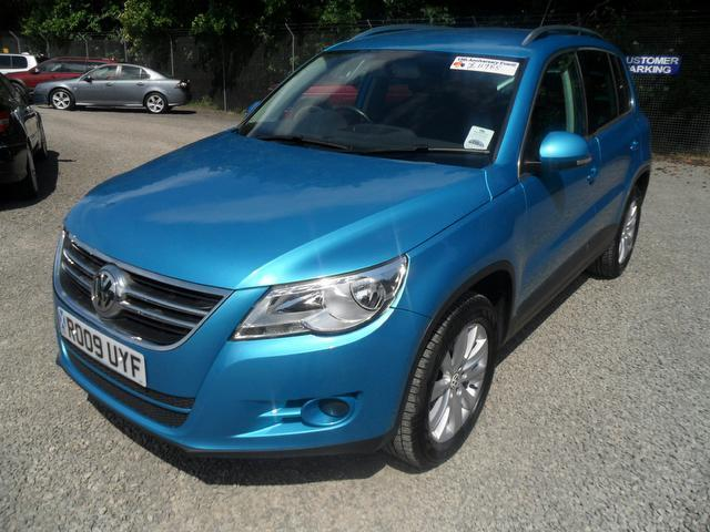 used 2009 volkswagen tiguan 4x4 blue edition 2 0 tdi se 5dr diesel for sale in inveralmond place. Black Bedroom Furniture Sets. Home Design Ideas