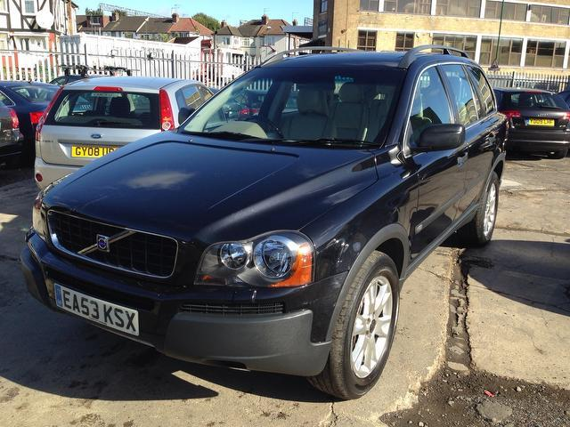 used volvo xc90 2003 model 2 4 d5 se 5dr diesel 4x4 black for sale in wembley uk autopazar. Black Bedroom Furniture Sets. Home Design Ideas