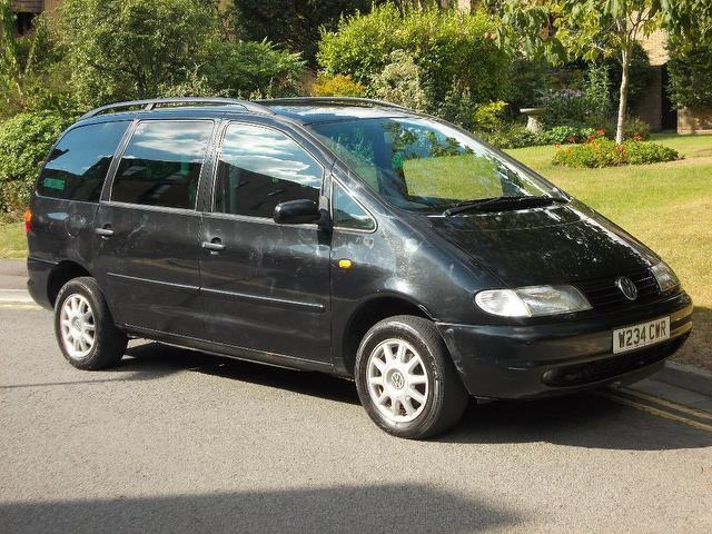 used 2000 volkswagen sharan estate black edition 1 9 tdi 110 carat diesel for sale in keynsham. Black Bedroom Furniture Sets. Home Design Ideas