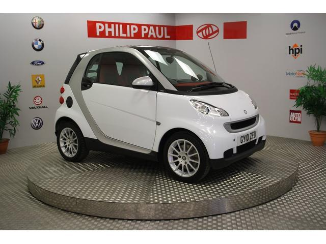 used smart fortwo 2010 automatic petrol passion mhd 2 door auto white for sale uk autopazar. Black Bedroom Furniture Sets. Home Design Ideas