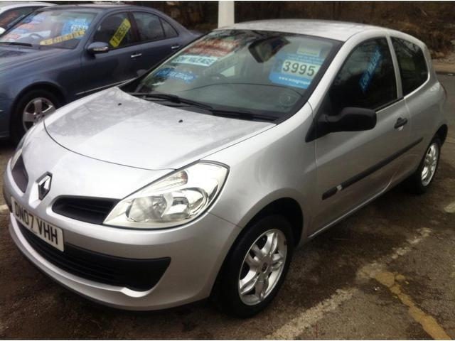 Used Renault Clio 1.2 16v Extreme 3 Door Hatchback Silver 2007 Petrol for Sale in UK