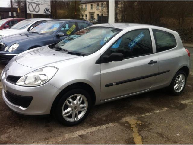 Used Renault Clio 2007 Silver Hatchback Petrol Manual for Sale