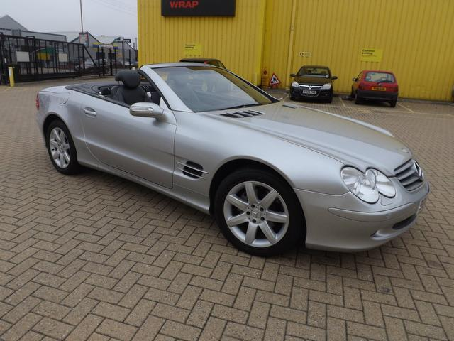 used mercedes benz 2004 petrol class sl 350 2dr convertible silver with full service history for. Black Bedroom Furniture Sets. Home Design Ideas