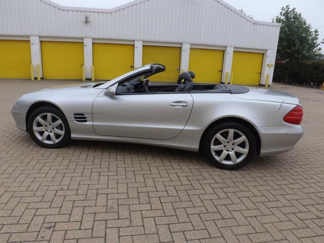 Used mercedes benz 2004 petrol class sl 350 2dr for Used convertible mercedes benz for sale
