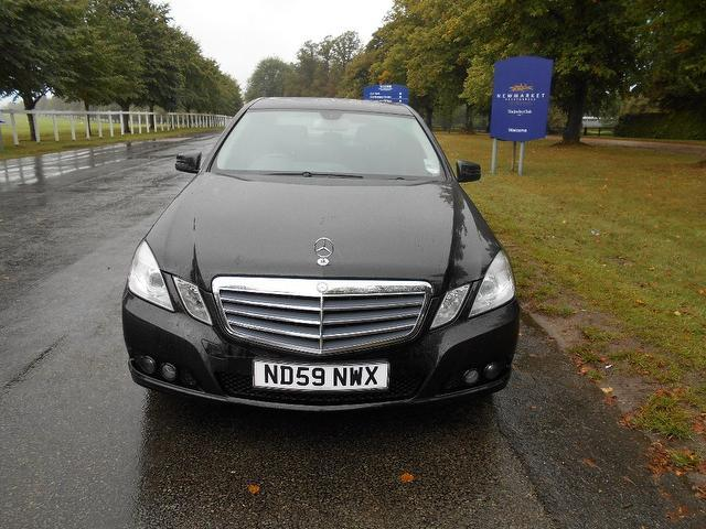 used mercedes benz 2009 black colour diesel class e220 cdi blueefficiency saloon for sale in. Black Bedroom Furniture Sets. Home Design Ideas
