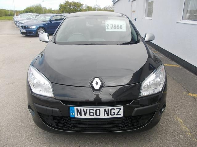 Used Renault Megane 1.5 Dci 106 I-music Hatchback Black 2010 Diesel for Sale in UK