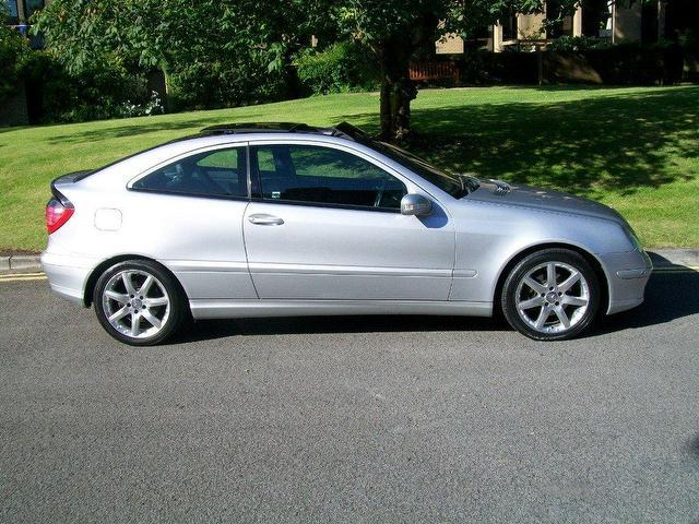 used mercedes benz 2002 diesel class c220 cdi se coupe silver automatic for sale in keynsham uk. Black Bedroom Furniture Sets. Home Design Ideas