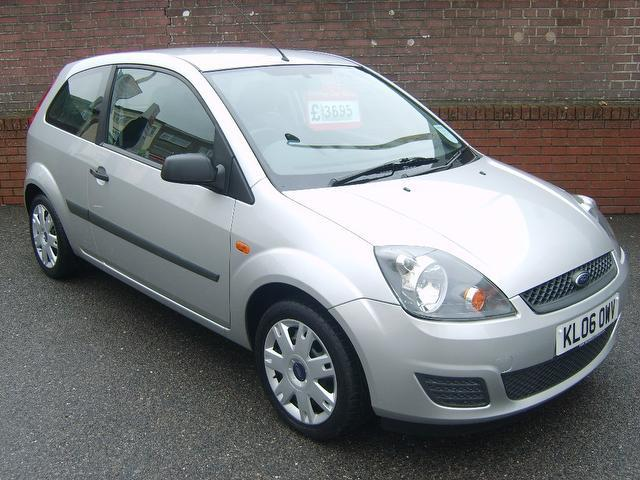 used ford fiesta 2006 petrol style 3dr climate hatchback silver edition for sale in. Black Bedroom Furniture Sets. Home Design Ideas