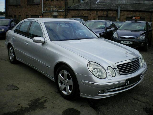 Used mercedes benz 2005 diesel class e320 cdi avantgarde for Mercedes benz silver