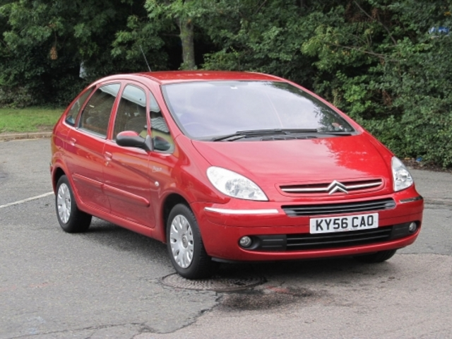 used 2006 citroen xsara red edition picasso unleaded for. Black Bedroom Furniture Sets. Home Design Ideas
