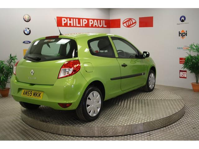 Used Renault Clio 1.2 16v Extreme 3 Door Hatchback Green 2009 Petrol for Sale in UK