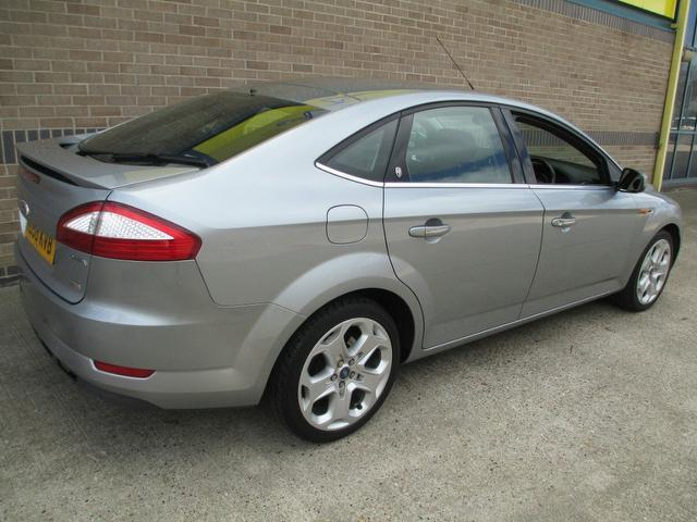 used silver ford mondeo 2008 diesel 1 8 tdci ghia 5dr. Black Bedroom Furniture Sets. Home Design Ideas