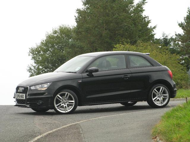 used audi a1 2011 black colour diesel 1 6 tdi s line hatchback for sale in turrif uk autopazar. Black Bedroom Furniture Sets. Home Design Ideas