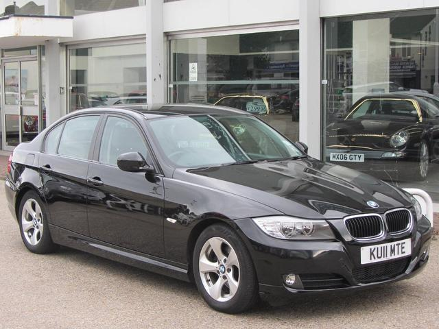 used black bmw 3 series 2011 diesel 320d efficientdynamics 4dr saloon in great condition for. Black Bedroom Furniture Sets. Home Design Ideas