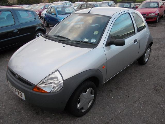 used silver ford ka 2000 petrol 3dr hatchback in great condition for sale autopazar. Black Bedroom Furniture Sets. Home Design Ideas
