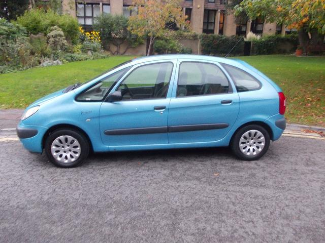 used citroen xsara 2001 manual petrol picasso 16v sx blue for sale uk autopazar. Black Bedroom Furniture Sets. Home Design Ideas