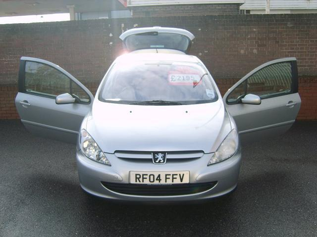 Used Peugeot 307 1.4 16v Envy 3 Door Hatchback Silver 2004 Petrol for Sale in UK