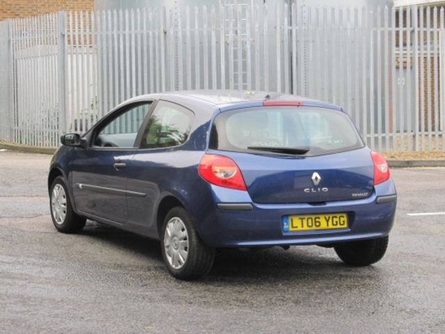 Used Renault Clio  Blue 2006 Petrol for Sale in UK
