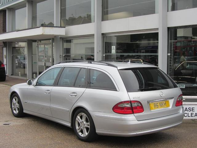 Used mercedes benz 2006 diesel class e220 cdi avantgarde for Mercedes benz uk used