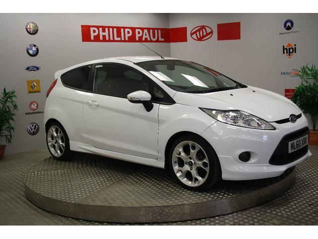 used ford fiesta 2010 white colour petrol 1 6 zetec s 3. Black Bedroom Furniture Sets. Home Design Ideas