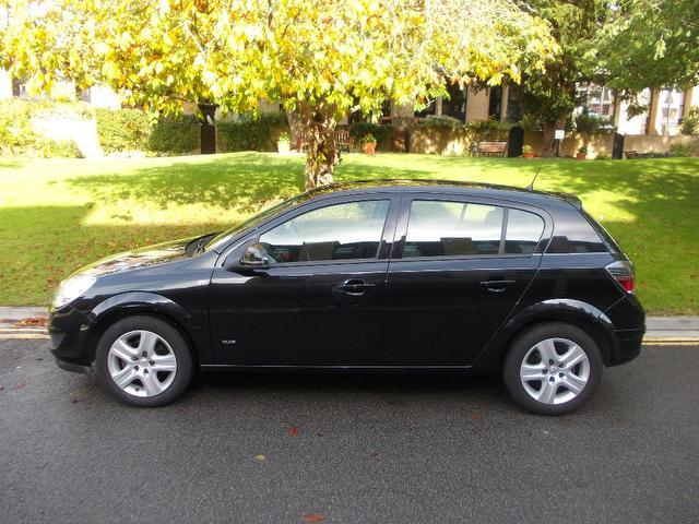 Used Vauxhall Astra 1.4i 16v Club 5 Door Hatchback Black 2009 Petrol for Sale in UK