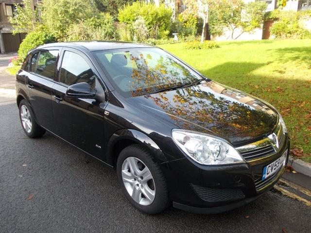 Used Vauxhall Astra 2009 Black Hatchback Petrol Manual for Sale
