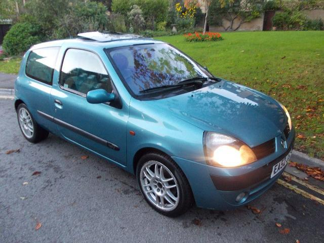 used renault clio 2002 blue colour petrol 1 2 16v extreme 3 door hatchback for sale in keynsham. Black Bedroom Furniture Sets. Home Design Ideas