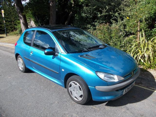 used peugeot 206 2000 petrol 1 1 lx 3dr ac hatchback blue edition for sale in keynsham uk. Black Bedroom Furniture Sets. Home Design Ideas