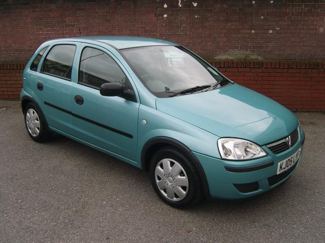 used vauxhall corsa 2005 green paint petrol 16v life 80 hatchback for sale in southampton. Black Bedroom Furniture Sets. Home Design Ideas
