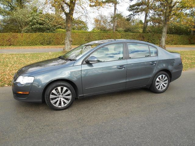 Used Volkswagen Passat 1.6 Bluemotion Tdi Cr Saloon Grey 2010 Diesel for Sale in UK