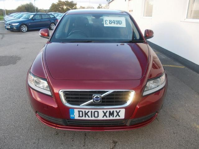 Used Volvo S40 2.0d S 4 Door Full Saloon Red 2010 Diesel for Sale in UK