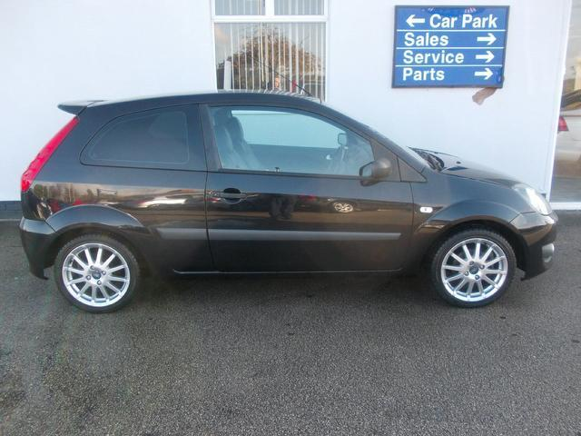 Used Ford Fiesta 1.6 Zetec S 3 Door Hatchback Black 2008 Petrol for Sale in UK